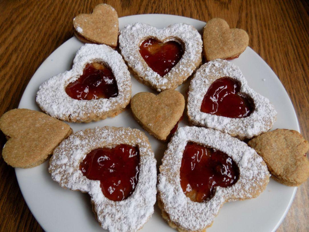 Valentine sandwich cookies instagram.jpg
