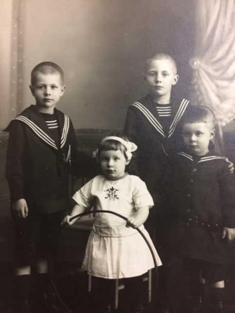 von Hinten children aroubd 1916